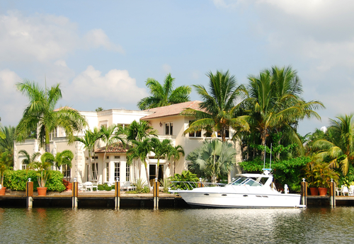 Homes with boat lifts